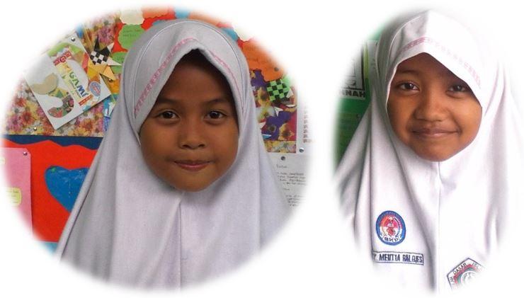 Siswi SDIT Al Hasanah Menerima Hadiah Lomba MTQ Kota ke-XXXIII